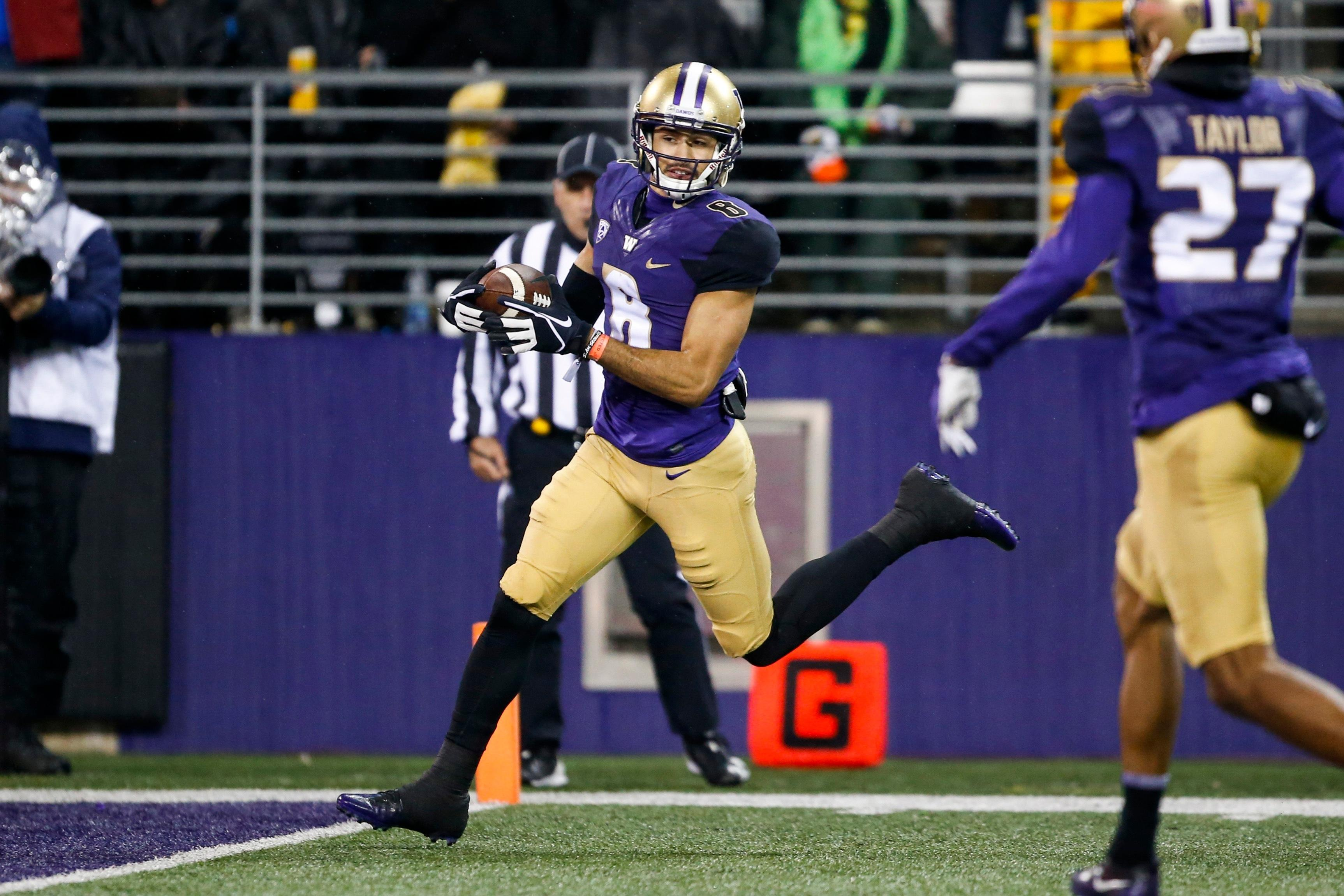 Watch Uw S Pettis Makes History With Ninth Punt Return Td