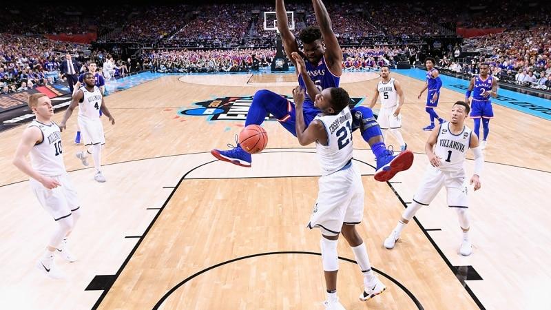 Udoka Azubuike dunks against Villanova in the 2018 NCAA Final Four.