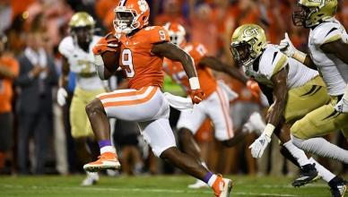 NCAA College Football news, scores, stats and FBS rankings