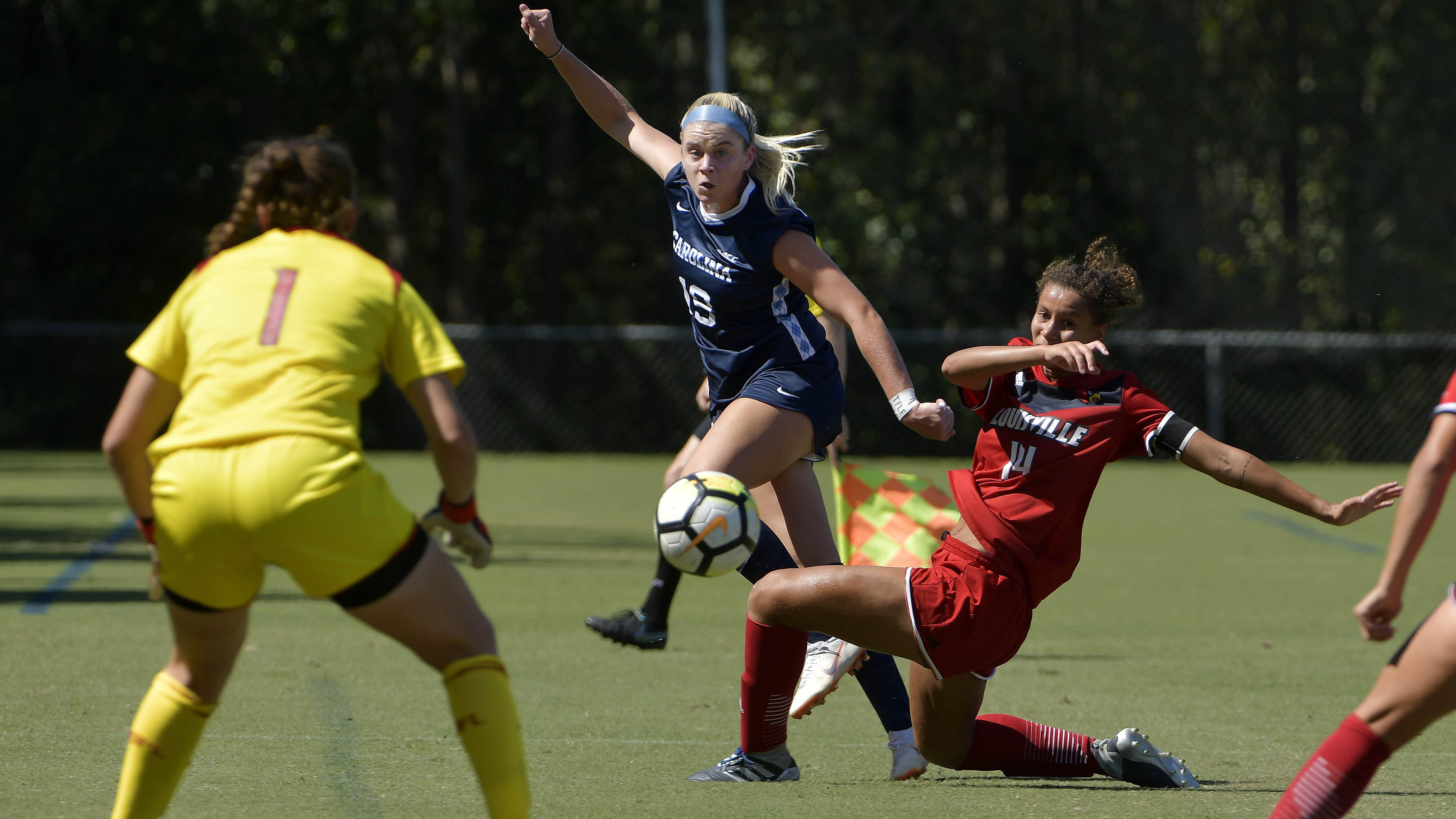 North Carolina's Alessia Russo and Stanford's Catarina Macario headline  women's soccer players to watch in 2019