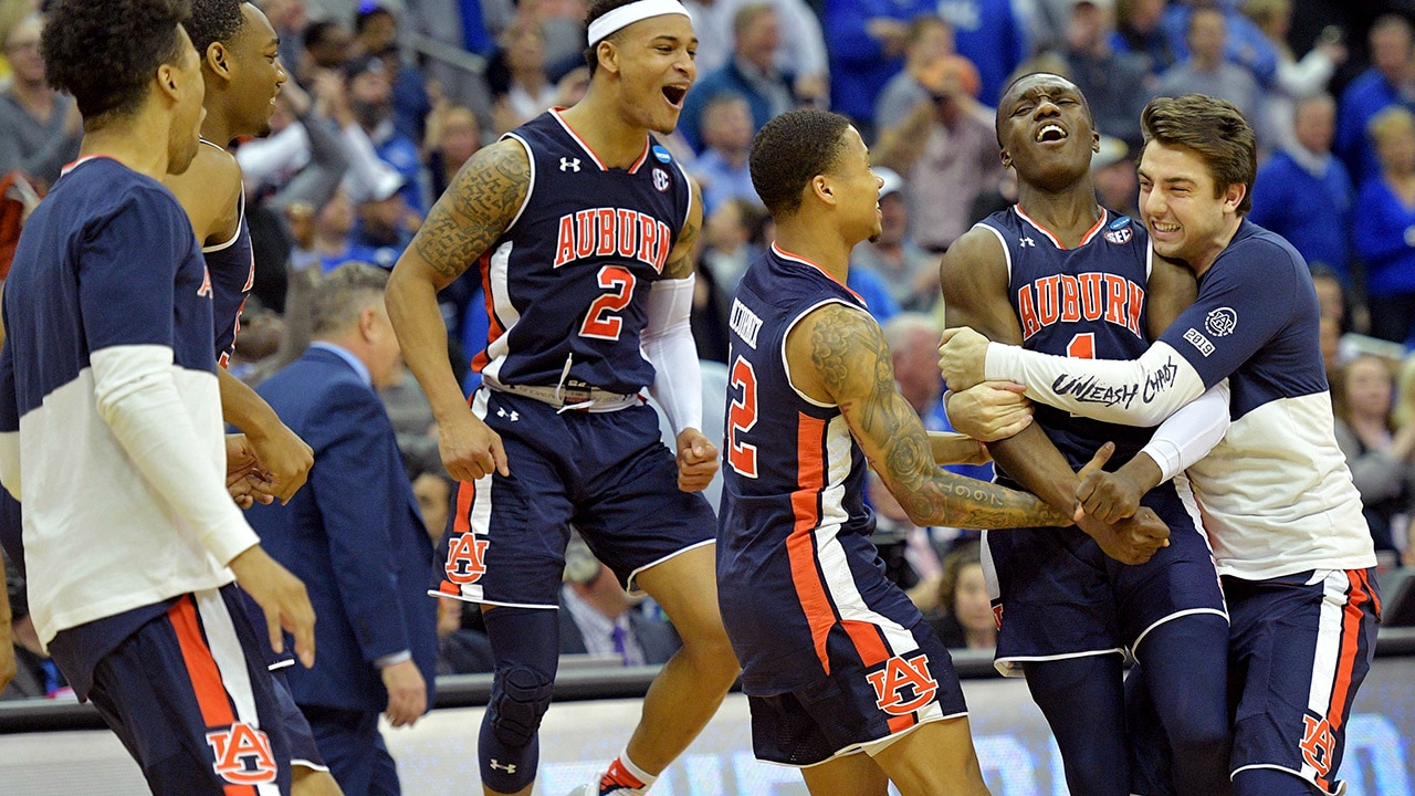 Auburn Defeats Kentucky 77 71 In Overtime Advances To First Final Four In School History